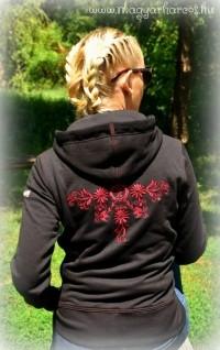 PuN10 - Női kapucnis cipzáras pulóver